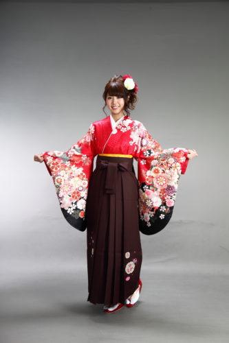 女性の成人式・卒業式の和装イメージ (袴)3
