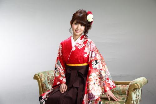 女性の成人式・卒業式の和装イメージ (袴)2